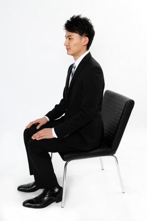正しい座り方.jpg