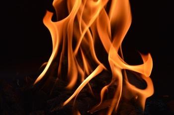 fire-2400966_640.jpg
