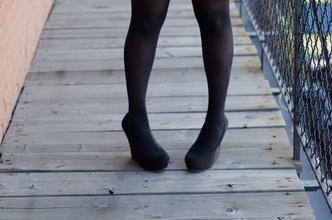 内股歩行・外股歩行が腰痛をひき起こす